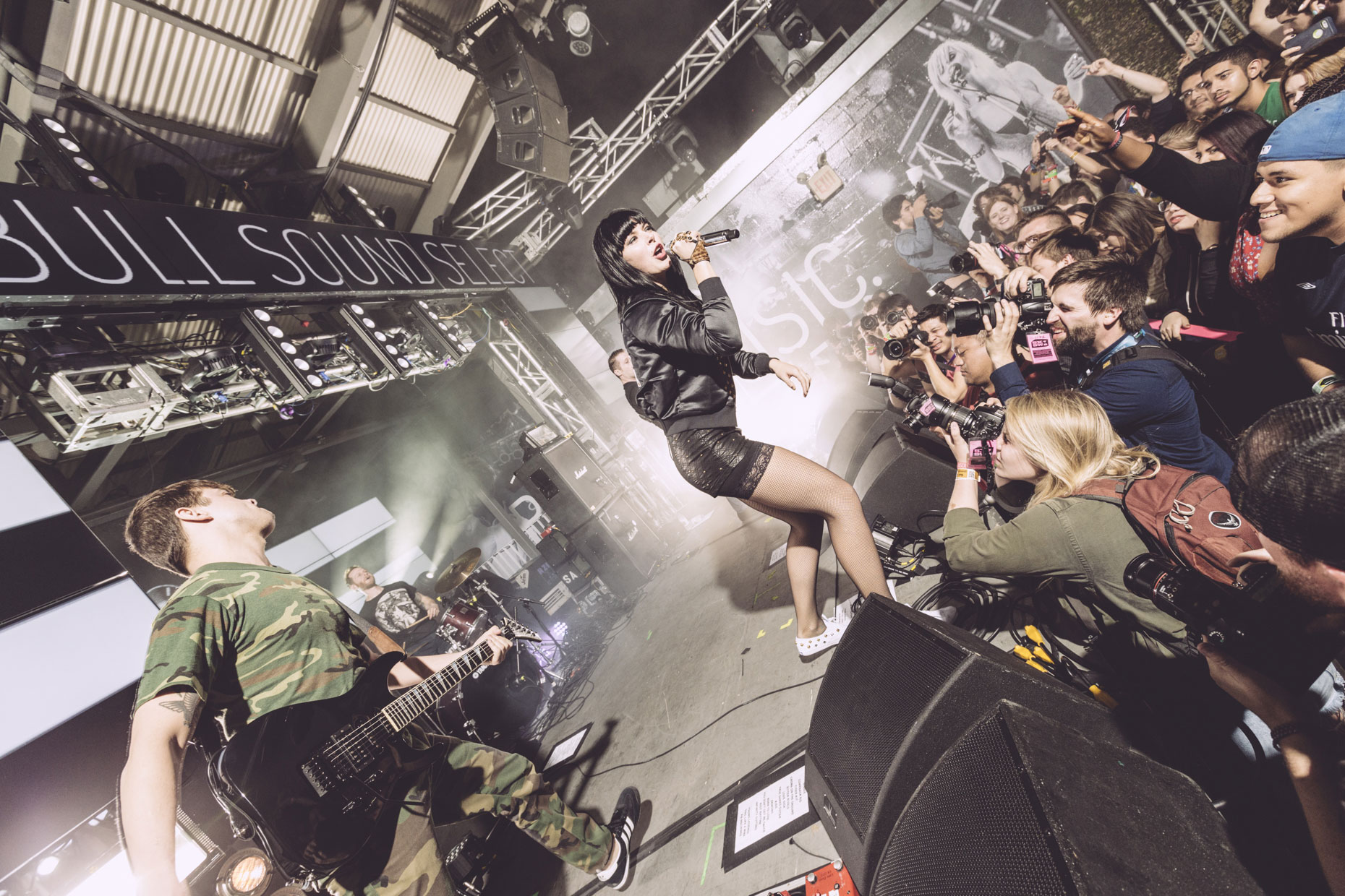 Jeremy Deputat | On Tour | Sleigh Bells